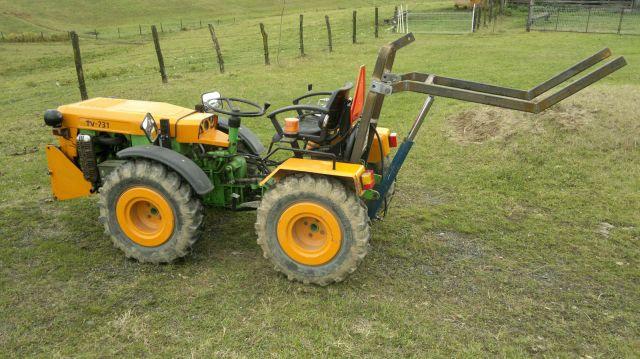 Zadnji traktorski utovarivač - Page 2 23399282