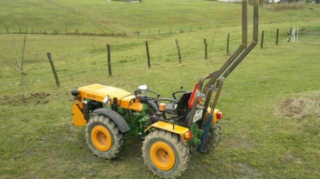Zadnji traktorski utovarivač - Page 2 23399283