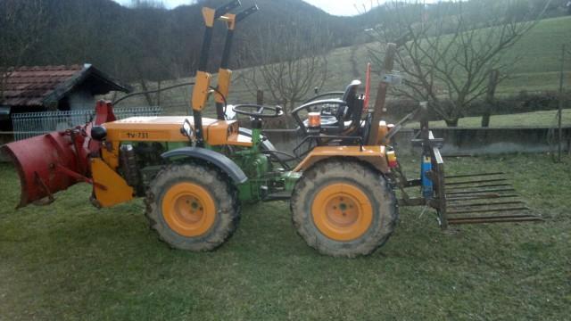 Zadnji traktorski utovarivač - Page 3 23445510