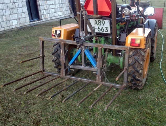 Zadnji traktorski utovarivač - Page 4 23445782
