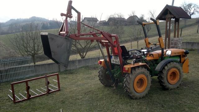 Zadnji traktorski utovarivač - Page 4 23466508