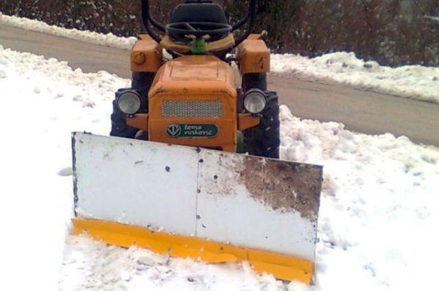 Komunalna oprema za traktore - Page 2 22073758