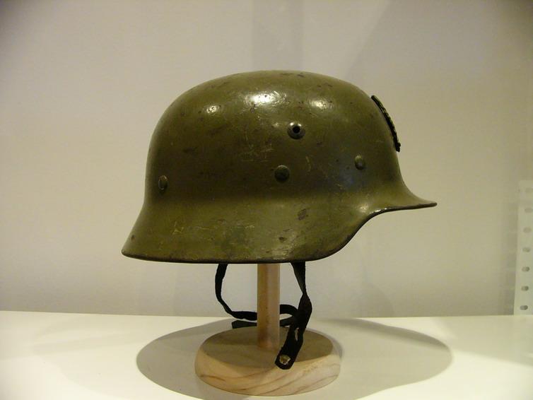 casco - Mod. 35 alemán en España. M35_con_gallina_02_Int_Espa_ol_col_FJPalomero