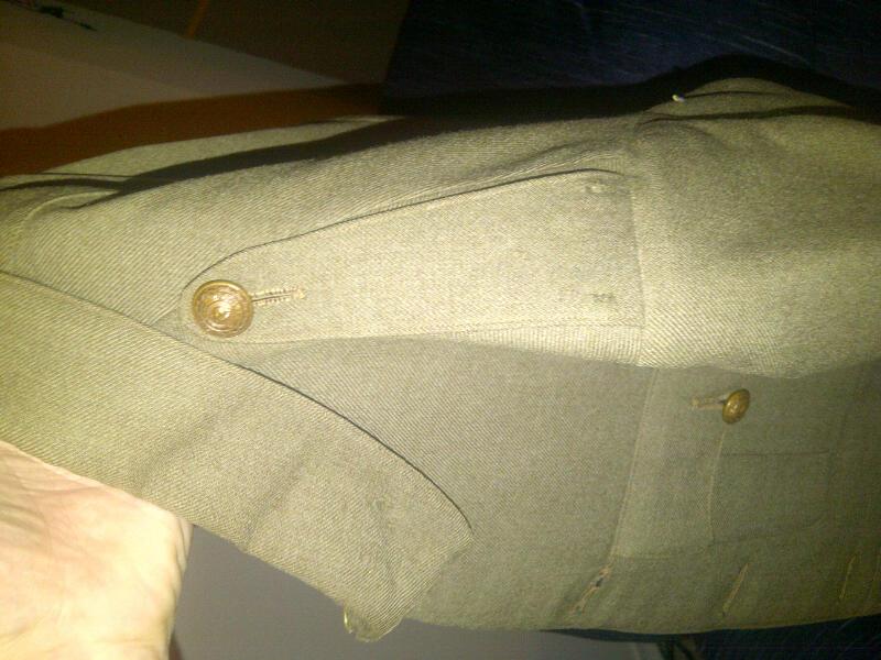 Cuff rank tunic, what pattern? Kitchener_20121218_00243