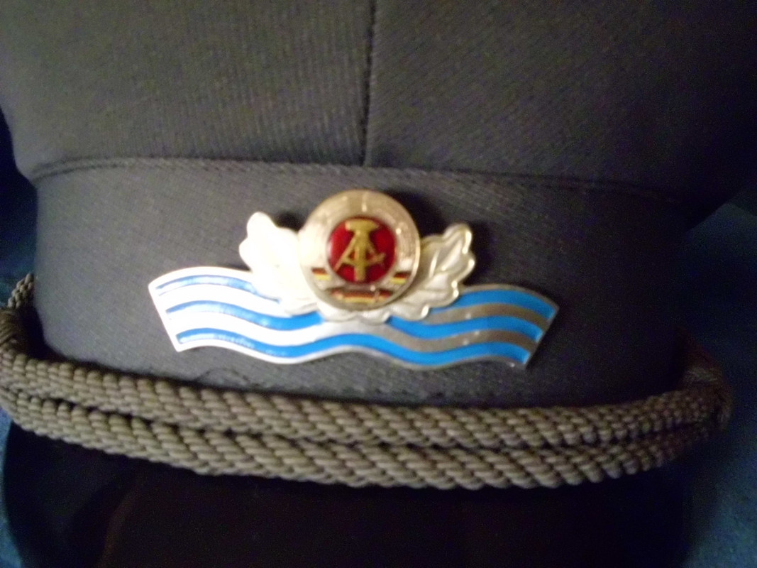 Gorras de la RDA DSCI0121