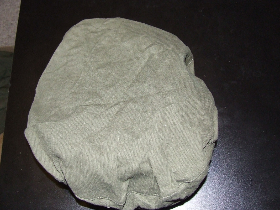 Beret cover? Work beret? And what is this pouch for? 014