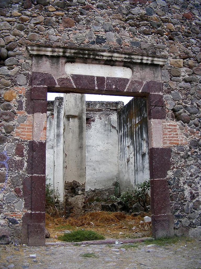 Primeros hallazgos Lugar_1_habitacion_exterior