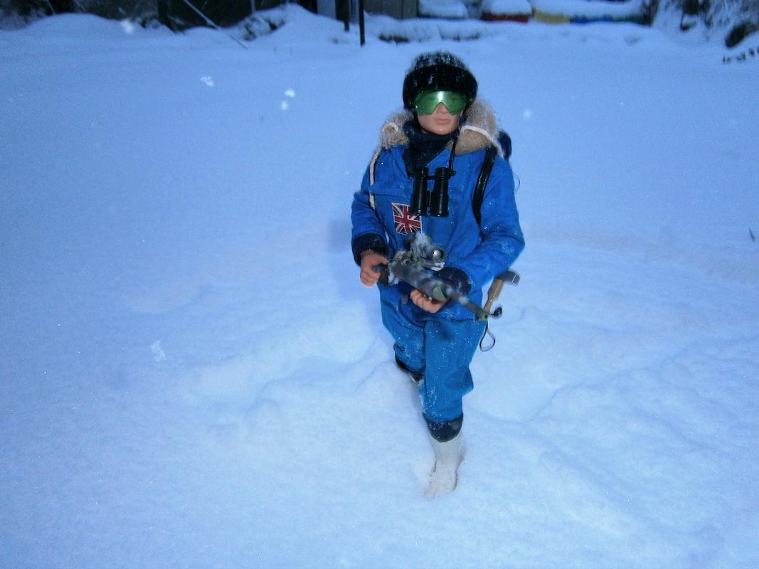 Snow random pictures thread.  Arctic_Explorer_Blue_00_8