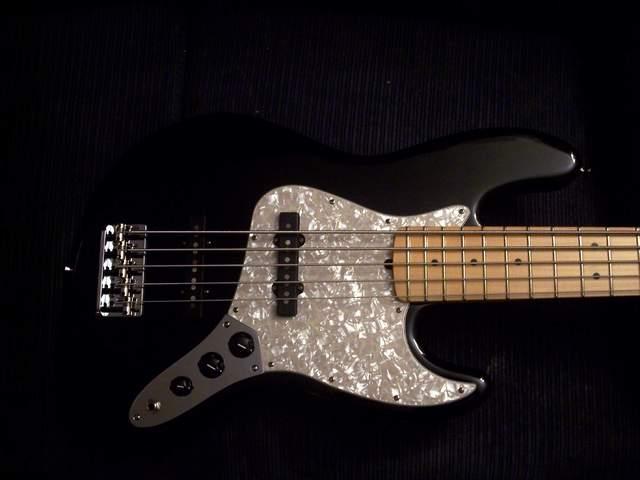 [Opinião - Questão de Gosto] Escudo para Fender JB 00002
