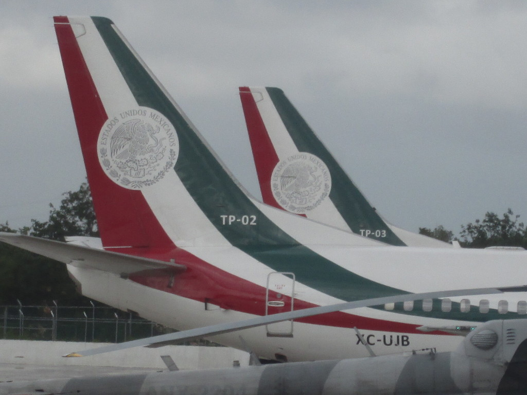 TP-02 Y  TP-03  Boeing 737  TP_02_03_2