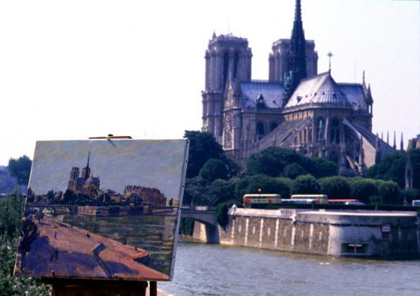 Stan u Parizu - Gijom Muso 97104075.2_YHIU62_C.P7_Notre_Damede_Parispb
