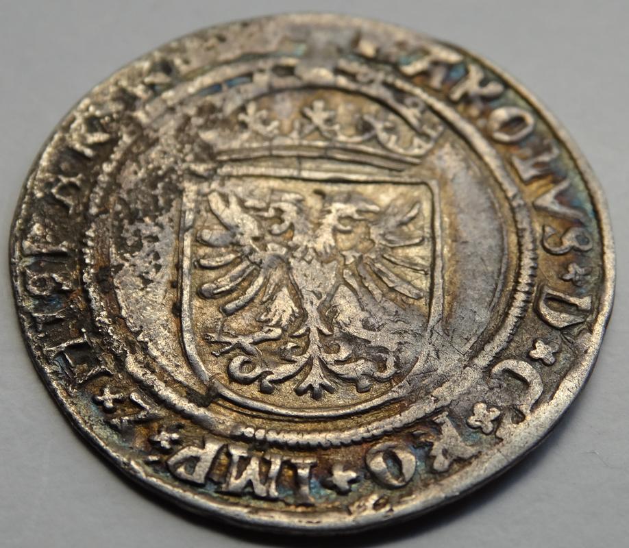 Real s.F (1521-1545) Carlos V, Amberes de Brabante DSC02462