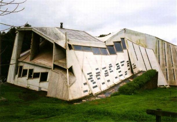 Kuća u kojoj stanuje vrag Fantastic_buildings_architecture_60