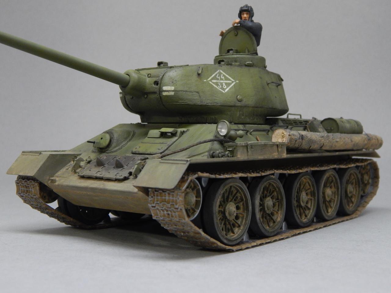 """""""Т-34/85. 1-я Гвардейская танковая армия, 11-й Гвардейский корпус, 44-я Гвардейская бригада."""" Берлин 1945 г. DSCN3095"""