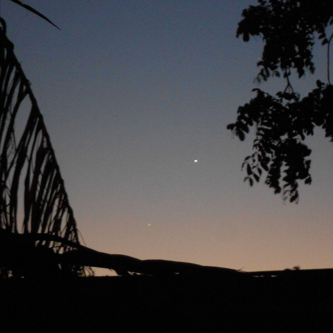 Conjunção entre Vênus, Júpiter e Mercúrio. Conjun