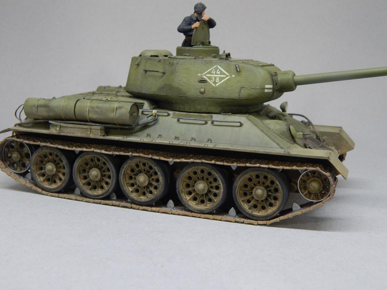 """""""Т-34/85. 1-я Гвардейская танковая армия, 11-й Гвардейский корпус, 44-я Гвардейская бригада."""" Берлин 1945 г. DSCN3088"""