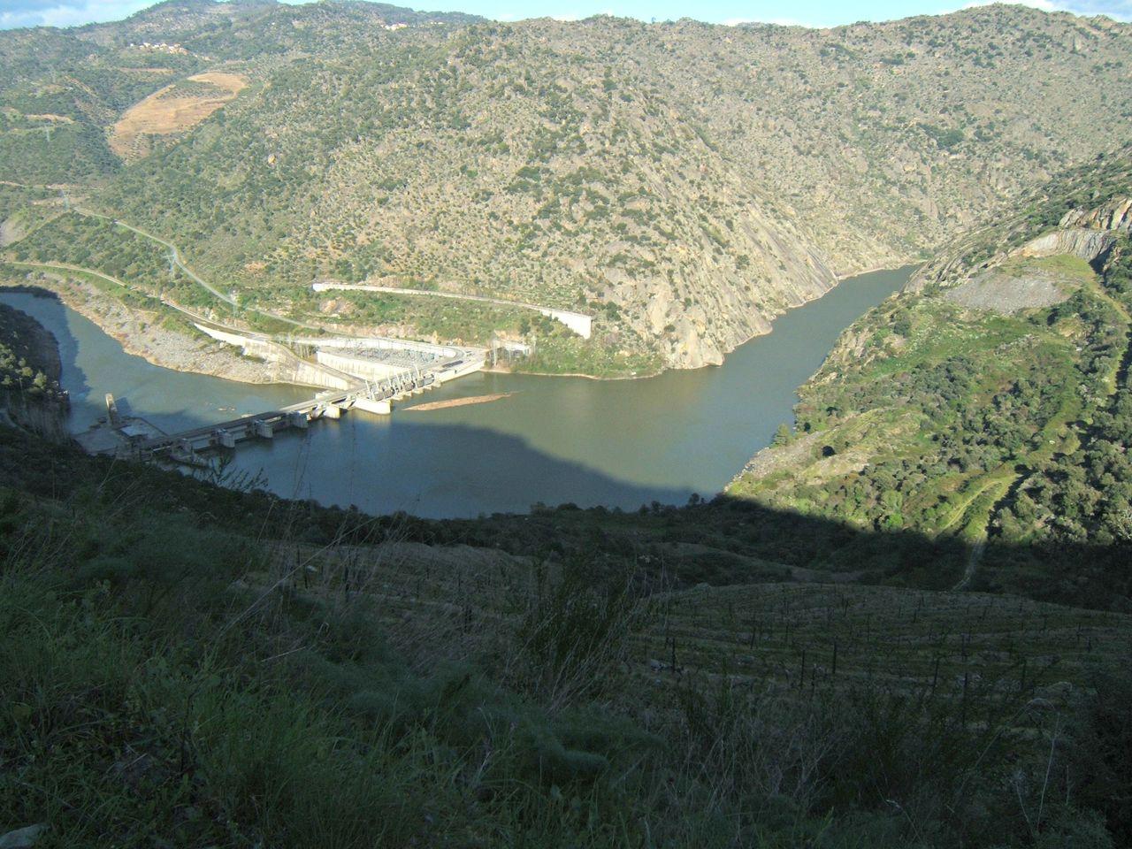 O passeio das 1001 curvas Barragem_da_Valeira_S_Joao_Pesqueira