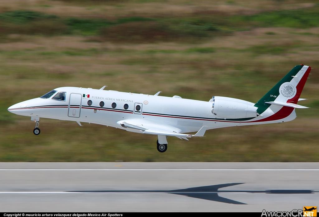 TP-08 Gulfstream Aerospace G150    TP_08_2