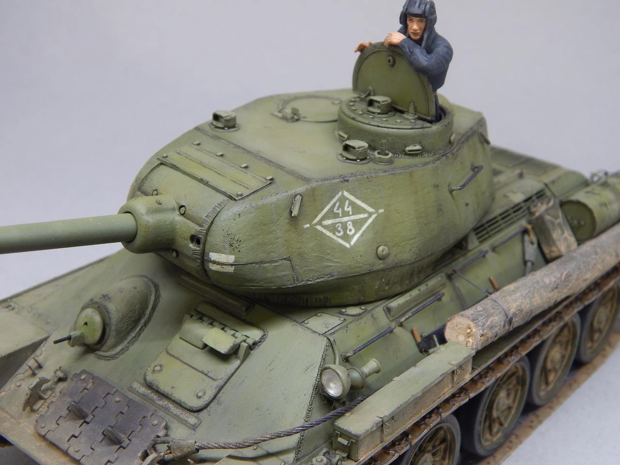 """""""Т-34/85. 1-я Гвардейская танковая армия, 11-й Гвардейский корпус, 44-я Гвардейская бригада."""" Берлин 1945 г. DSCN3097"""