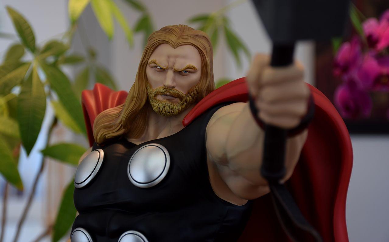 Premium Collectibles : Thor - Comics version  - Page 10 Xmthor5