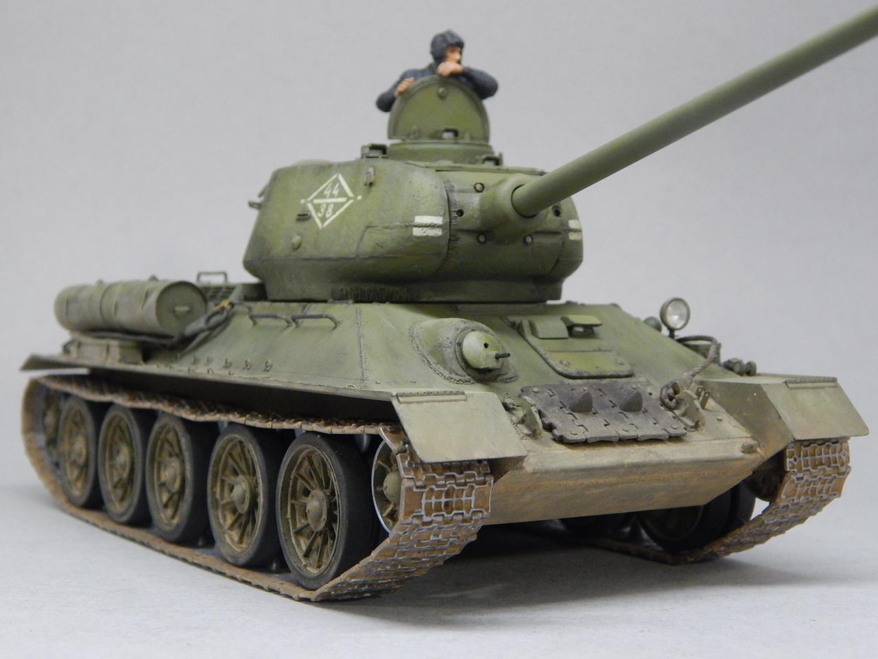 """""""Т-34/85. 1-я Гвардейская танковая армия, 11-й Гвардейский корпус, 44-я Гвардейская бригада."""" Берлин 1945 г. DSCN3093"""