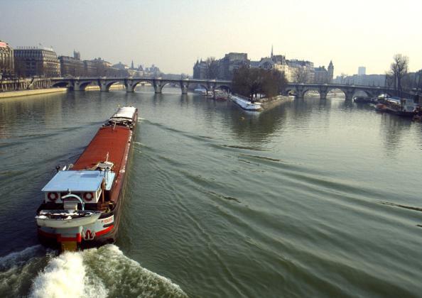Stan u Parizu - Gijom Muso 97071935.sp_UHCSek.Aprslaneige.pb