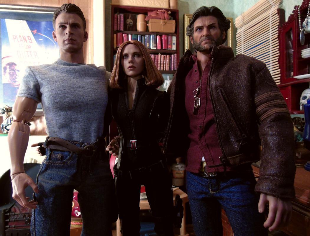 BAM HQ's 1/6 Scale guys! Cap_Widow_Wolverine_001