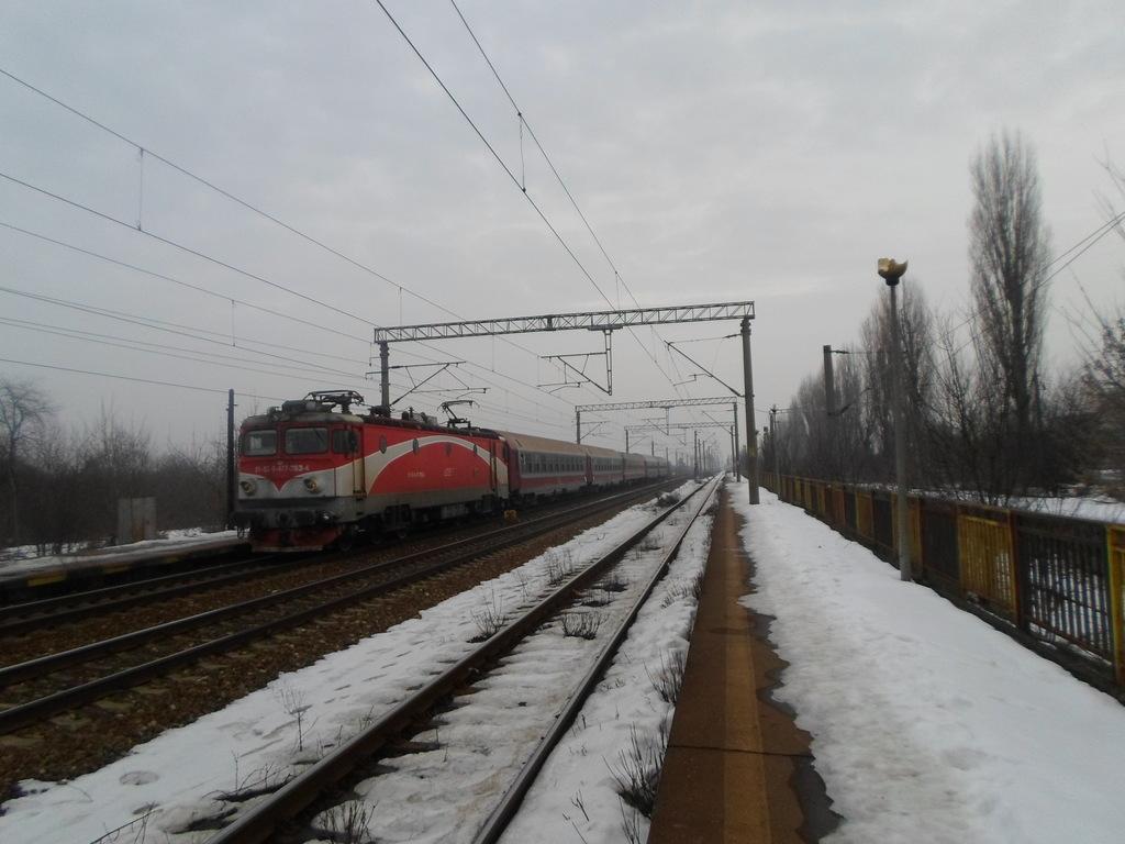 Locomotive clasa 47(476/477) aparţinând CFR Călători  SAM_0556