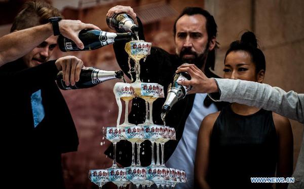 Nicolas Cage - Página 2 001ec979096313cf06b723