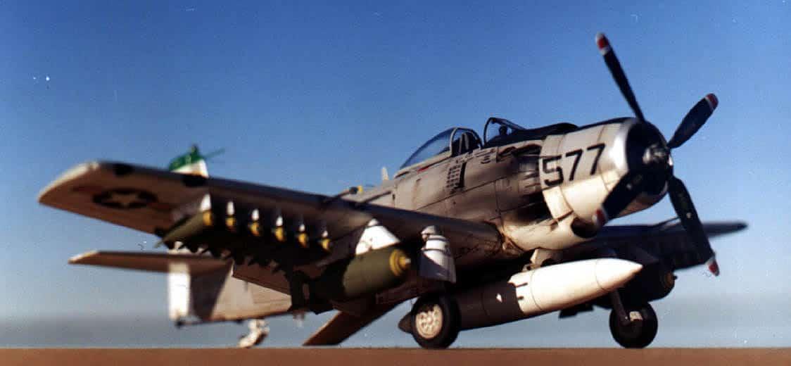 Skyraider A-1H Tamiya 1/48 A1_1