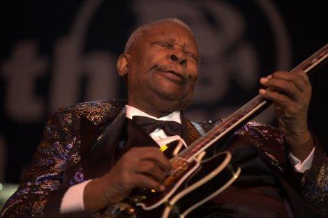 Preminuo kralj Bluesa B.B. King 613686_b_b_kingin2009_ff