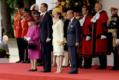 The Tumbleweed Suite - Page 19 Royal-visit-spain-998332