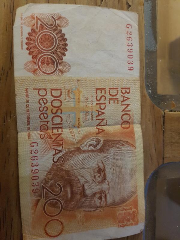 Billete de 200 pesetas con fecha equivocada. En vez de 1980 1880 20170404_220834