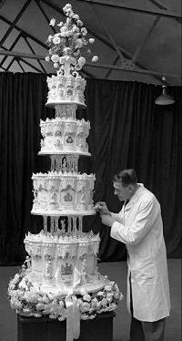Dish of the Day - II - Page 2 Wedding_cake_12