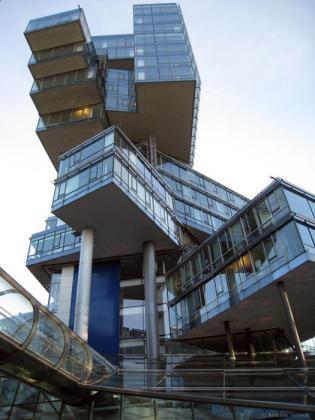 Kuća u kojoj stanuje vrag Fantastic_buildings_architecture_50