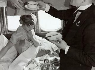 Dish of the Day - Page 8 Short_empire_flying_boat_breakfast_in_cabin_zpsh