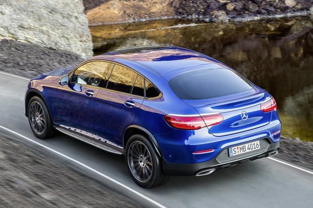 GLC 250 Coupe no Brasil Brilliant_Blue_Mercedes_Benz_GLC_250_Coupe_5_e14
