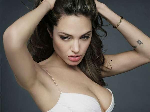 Анжелина Джоли / Angelina Jolie - Страница 2 B4e4cf54a9d7