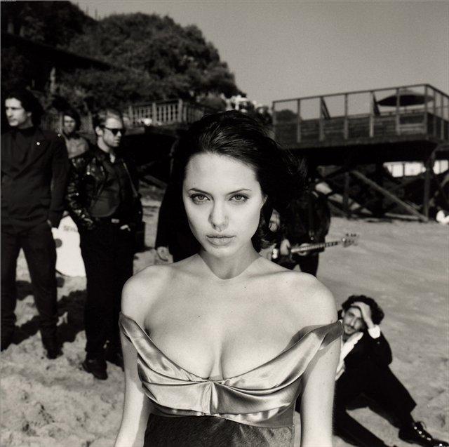 Анжелина Джоли / Angelina Jolie - Страница 2 2040bf66ce41