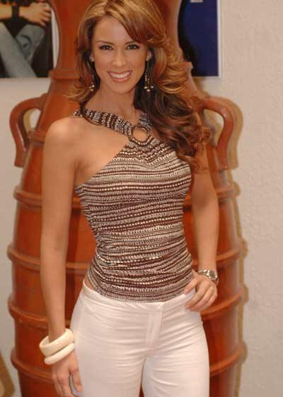 Жаклин Бракамонтес/Jacqueline Bracamontes 79f4bd14718b
