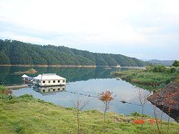 Озеро Циндаоху.Летающие рыбы 8d0ed8e6a0de