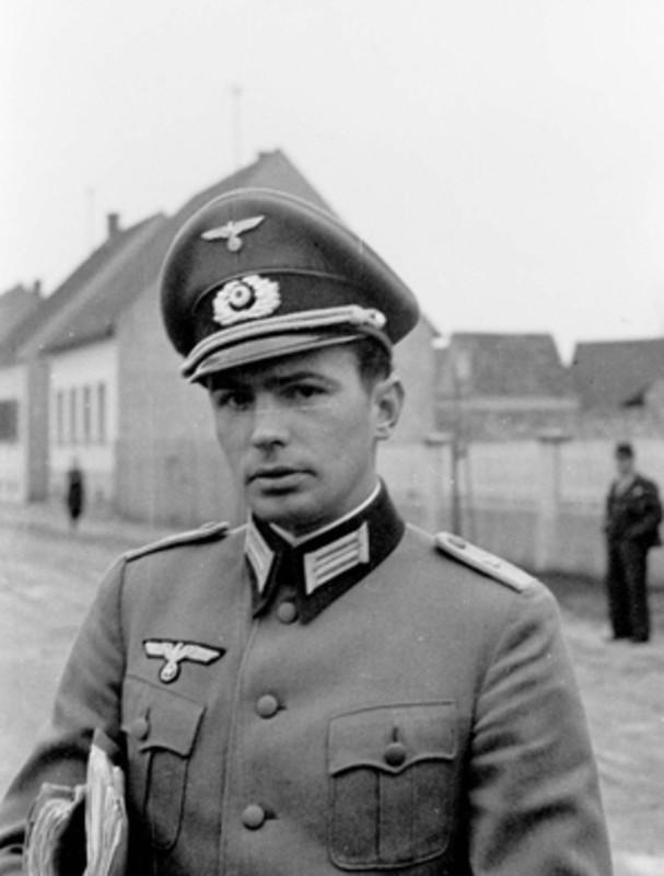 casco - Mis apuntes de WWII Gorra_plat