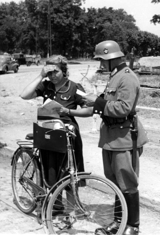 Mis apuntes de WWII - Página 2 Policia