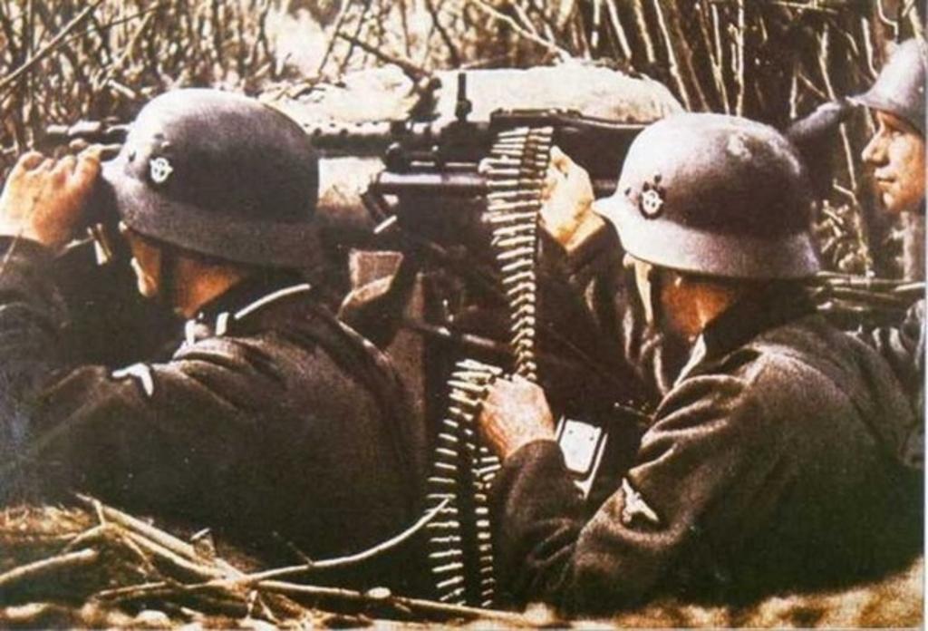 Mis apuntes de WWII - Página 2 Policia_2