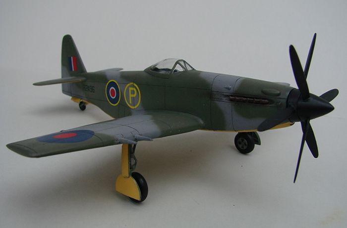 Martin-Baker M.B.5, AZmodel, 1/72 DSC04330