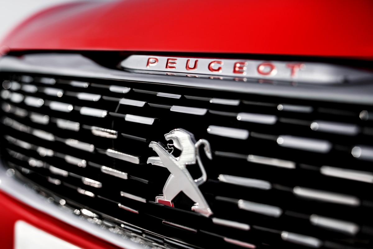 308 R-concept Peugeot_308_r_concept_2013_5e177_1200_800