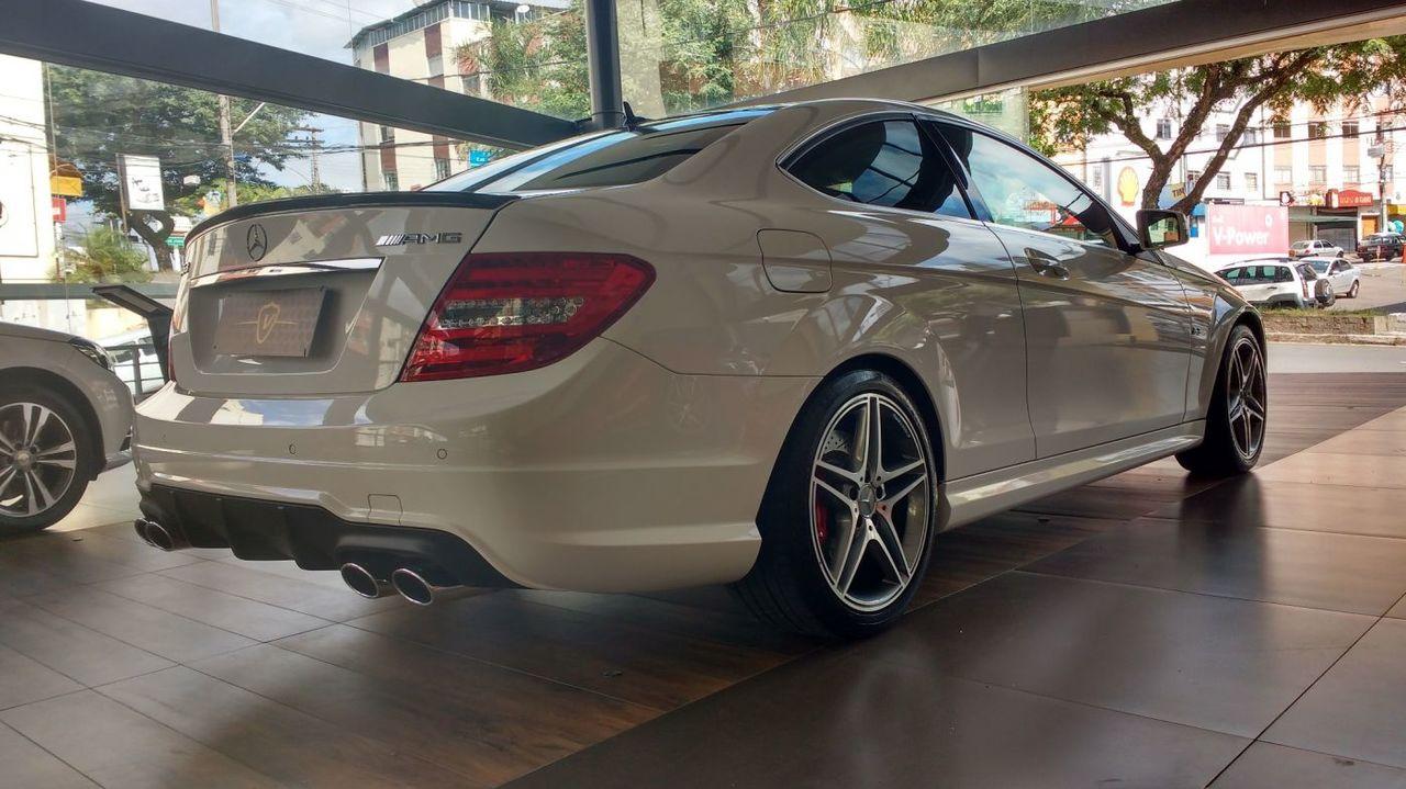 W204 C63 AMG coupe 2014 - R$ 285.000,00 591618f0f1bbc617036447