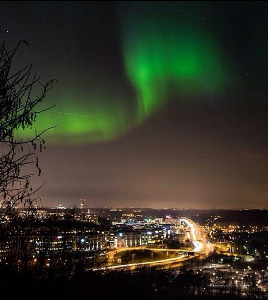 Aurora Lights Visible Tonight?  Studio_20150317_200058