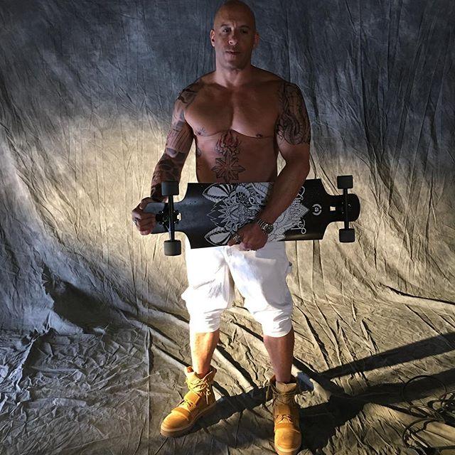 Vin Diesel - Página 6 12519468_1495827500726207_1347492355_n_002