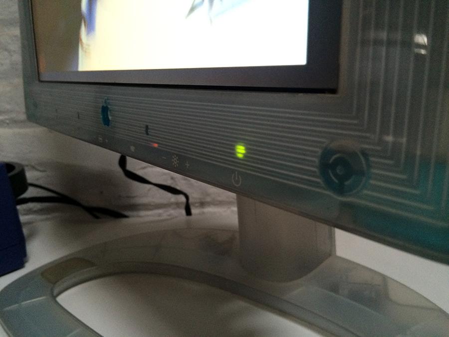 [Vendo] iMacs G3, G4's, Monitores era translúcida Apple IMG_2759